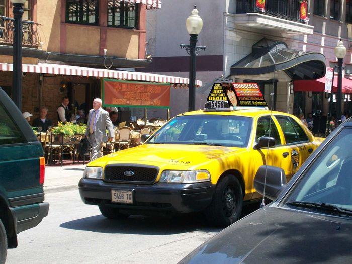 SIOA Honor Killing Awareness Campaign: Freedom Taxis Hit the Streets of Chicago